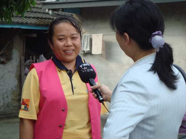績優服務人員接受電視採訪